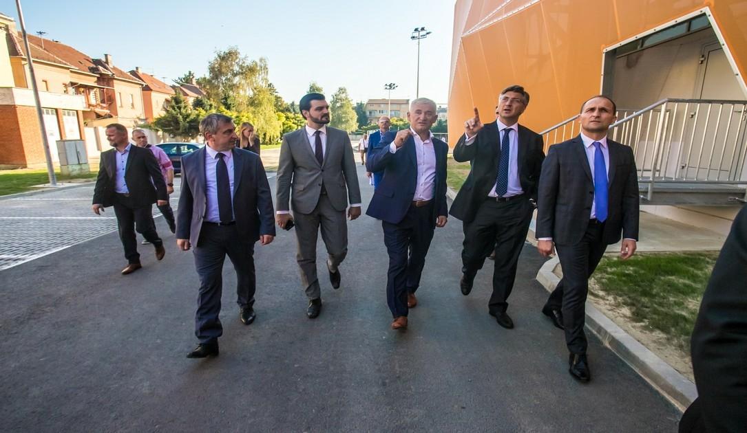 Premijer Plenković obišao Sokol Centar
