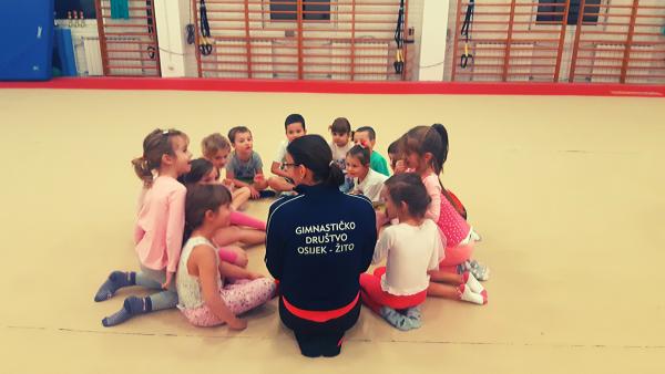 Mala gimnastička škola s vukovarskim mališanima