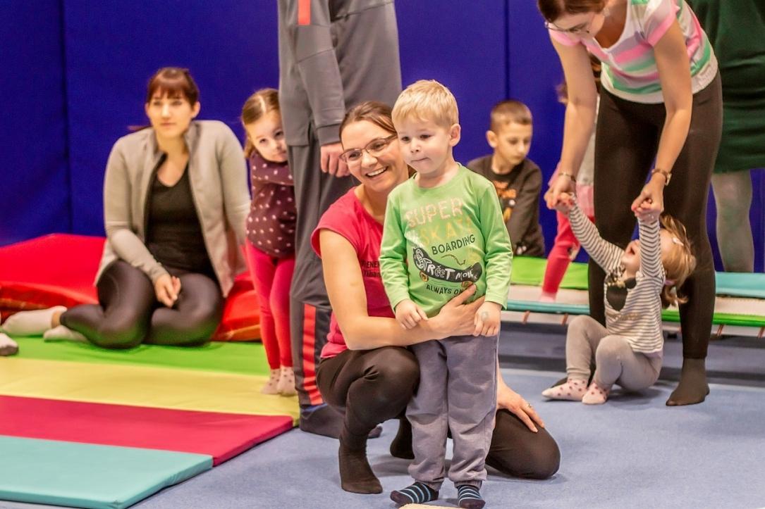 Mala gimnastička škola oduševila mališane